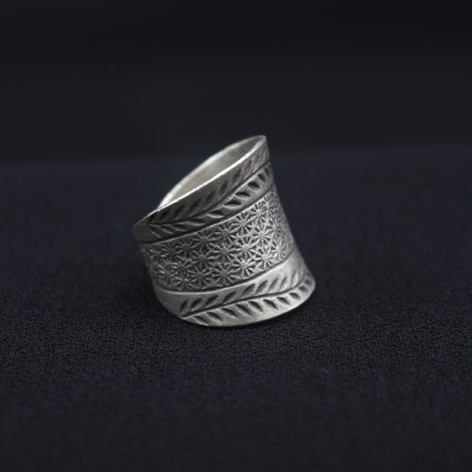Authentic Silver Artisan Ring 'Thai Garden'